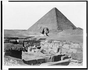 Pyramide de Chêops, le Sphynx et le Temple de Chafra, Gyzèh / P. Sebah, Phot.
